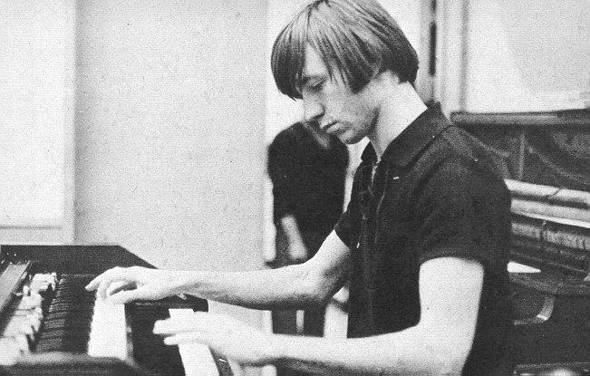peter-piano.jpg